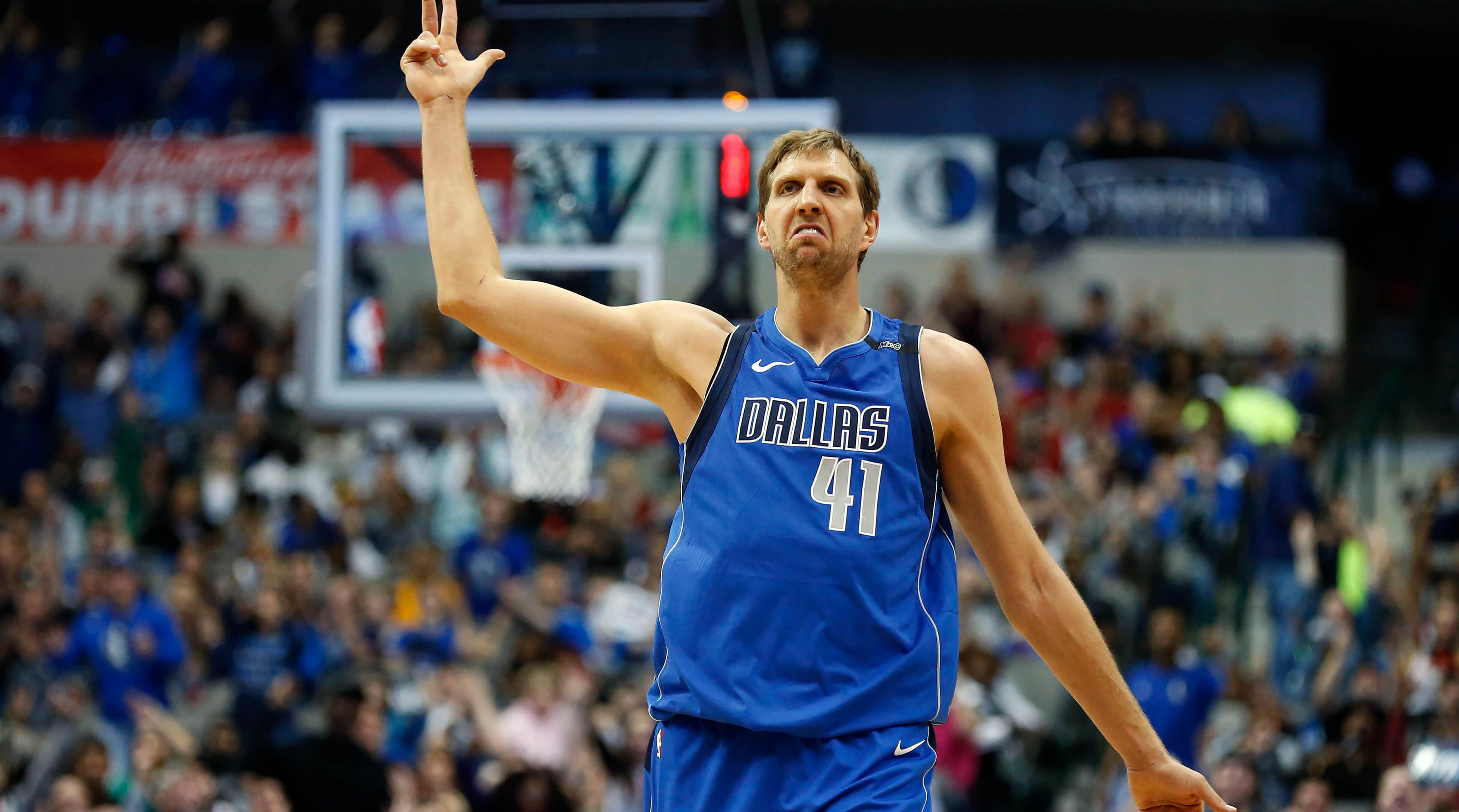 Dirk Nowitzki a NBA Score Leaders