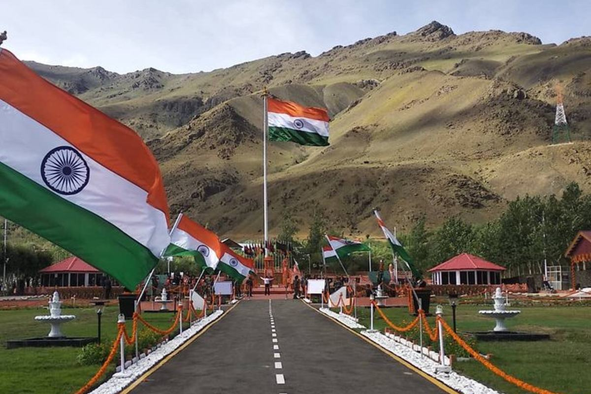 Tribute to Kargil War Heroes: